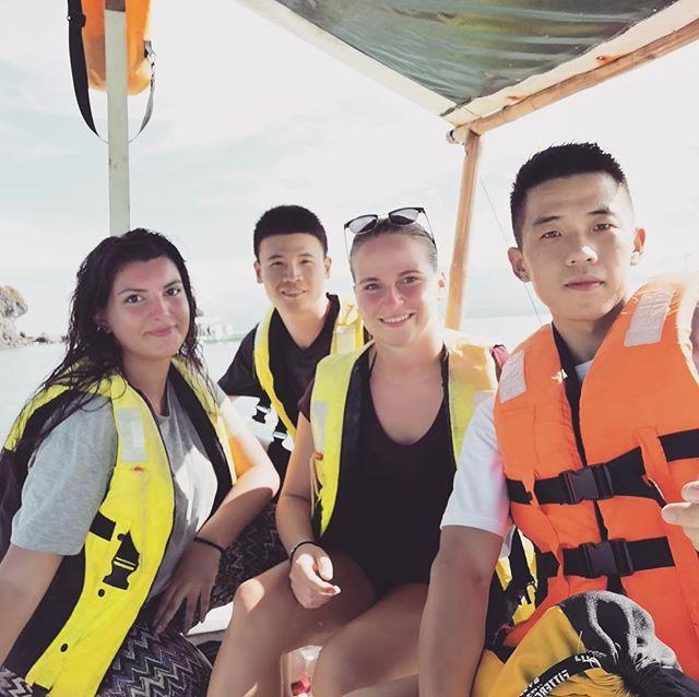Heute ging's nach Apo Island, eine winzige Insel vor der Küste Negros, die…
