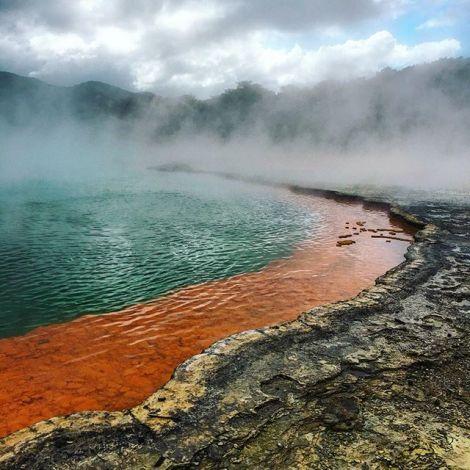 """Der """"Champagne Pool"""" in Wai-O-Tapu 💛 ist eine der größten…"""