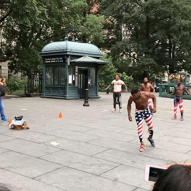 New York hat mich echt geflashed. So viel Energie, so viele verschiedene Leute,…