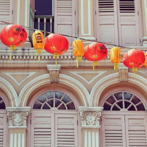 Chinatown, eines der ethnischen Viertel Singapurs und frühere Enklave der…