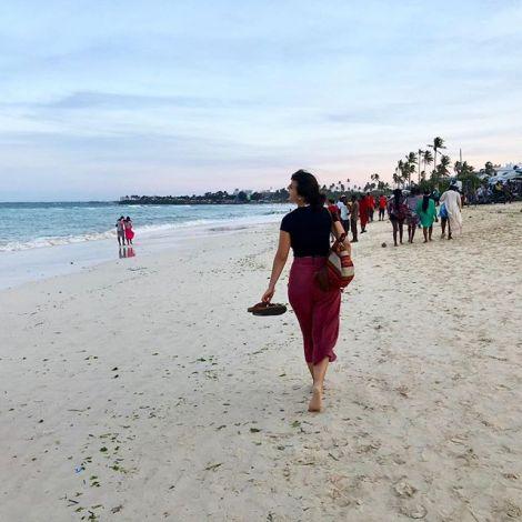 Das erste Mal am Strand des indischen Ozeans in meiner neuen Heimat. Das Wasser…
