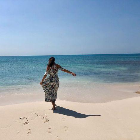 Vor Dar es Salaam gibt es einige Sandbänke, die man mit einem kleinen Boot…