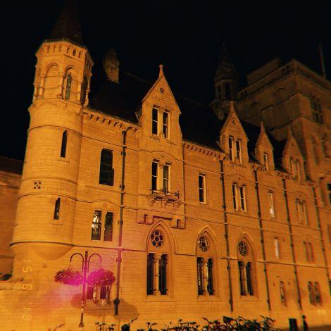 Oxford College bei Nacht