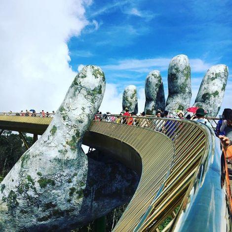 #goldenbridge #cauvang #banahills #danang #vietnam #tourist #ferien #erlebees…