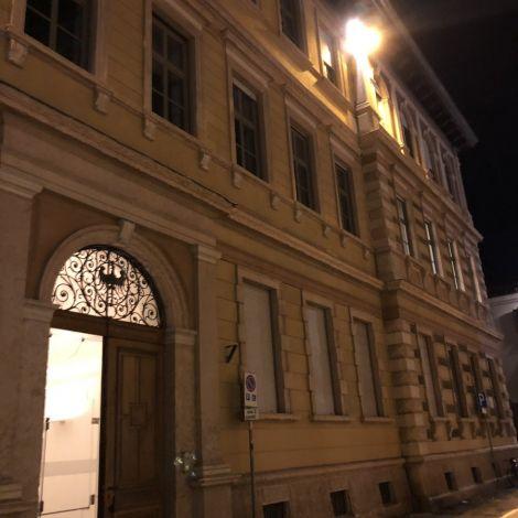 Uni-Zeiten: von 11-20 Uhr? #läuft #erlebees #nachtsanderUni #Italien #winter…