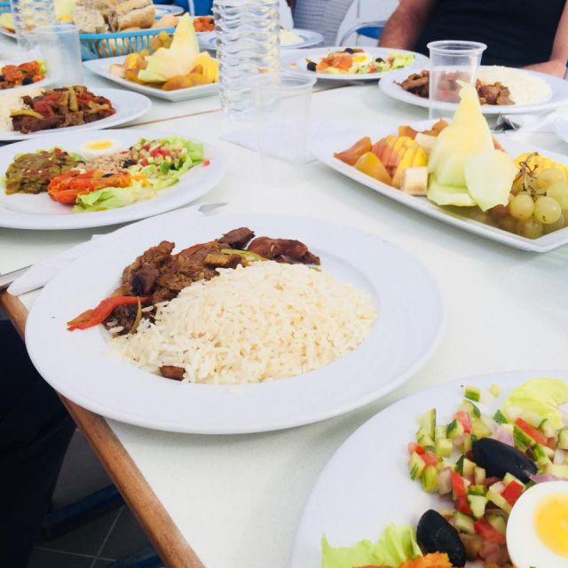Reis, Fleisch, Gemüse und Obst