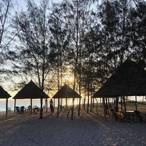Blick auf den Strand in Tansania
