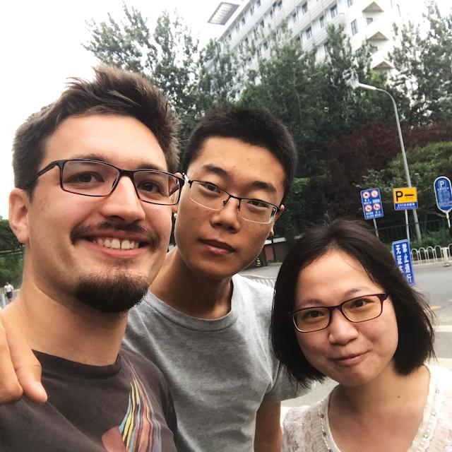 Lenz mit zwei chinesischen Freunden