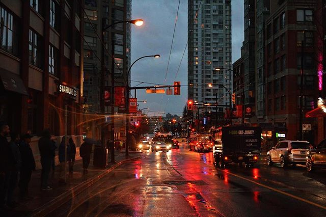 Vancouver at Night Pt.2 . . . . . #erlebees#vancouver#photography