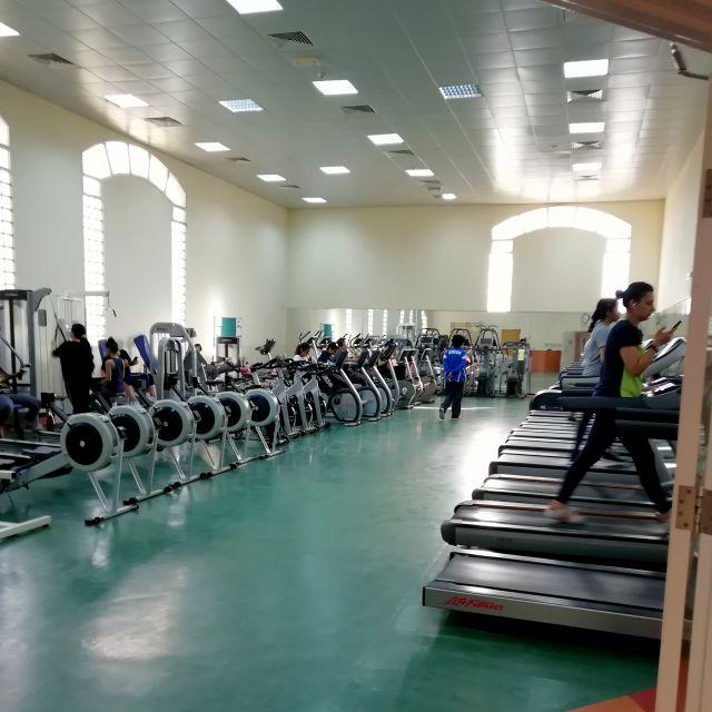 Fitnessstudio Frauen Universität Schardscha