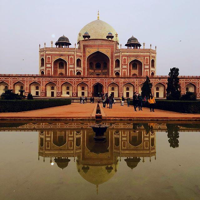 Hier in #indien scheint man echt ein Faible für imposante Gräber (#symmetry!)…