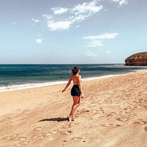 Let the SEA set you FREE 🌊 #bliss #bellsbeach #erlebees