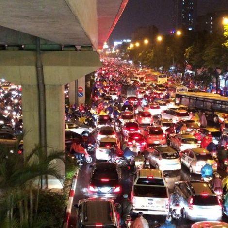 Stau auf den Straßen von Hanoi.