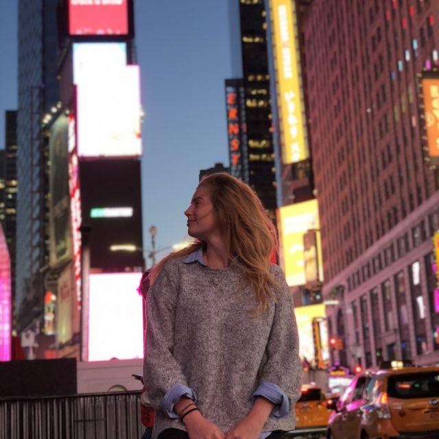 Leonie in New York.