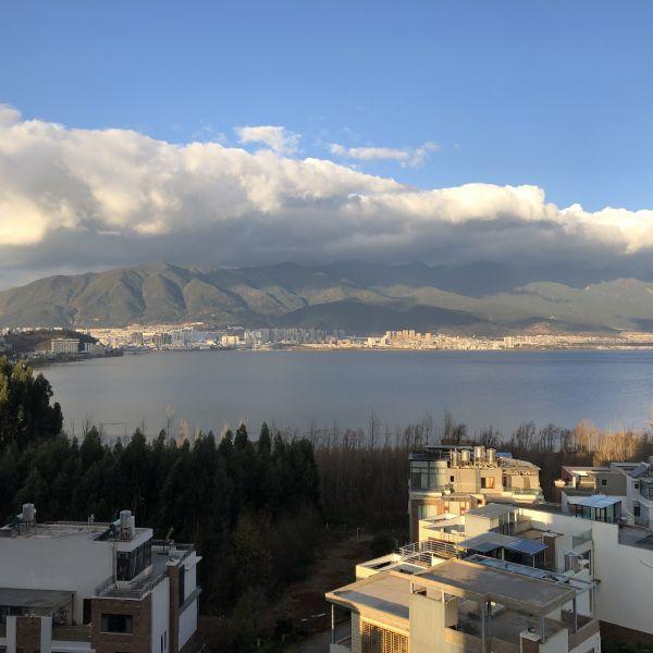 Dali, eine Stadt am See