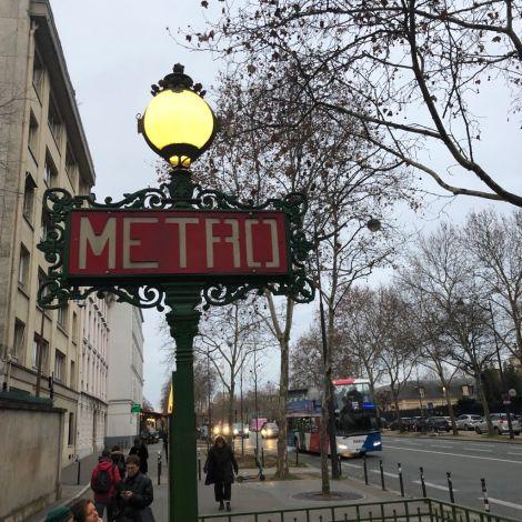 Metro-Schild