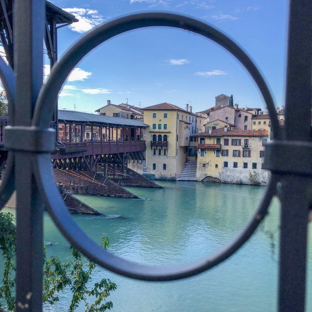 Fluss und Stadt in Bassano