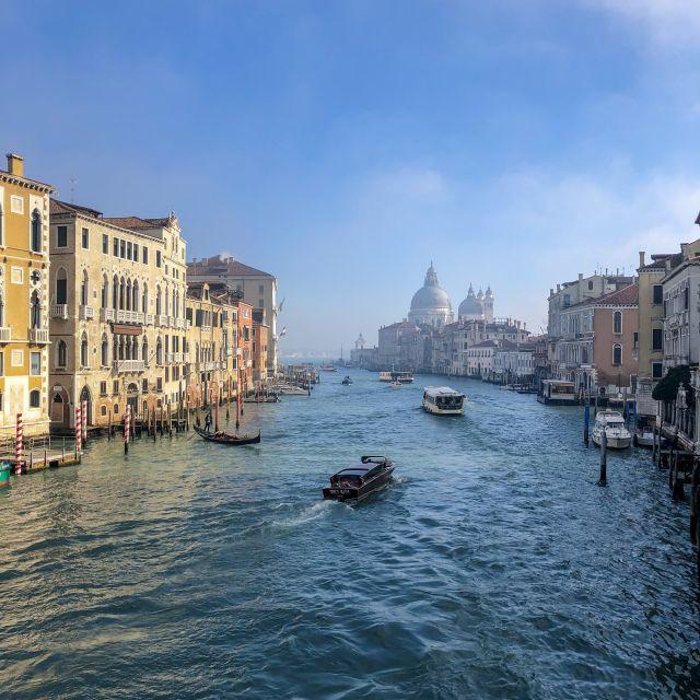 Blick von der Ponte dell'Accademia in Venedig