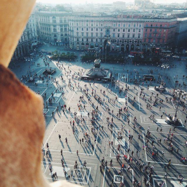 Ausblick vom Dom auf den Domplatz in Mailand