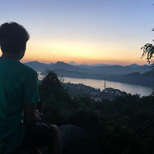 Und so versinkt die Sonne über dem Mekong ... 👀 Das geographische (und…