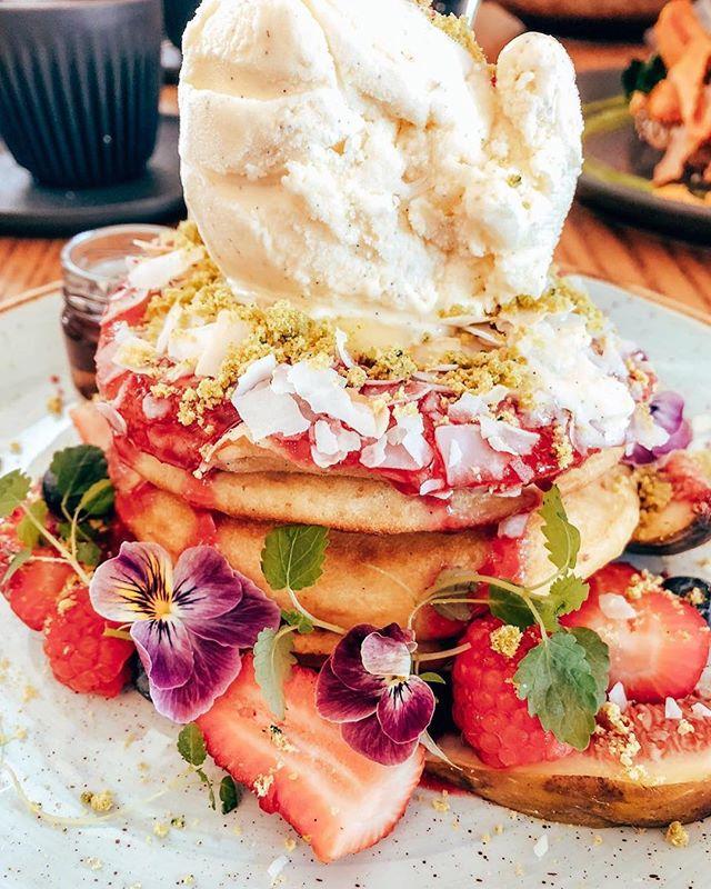 Grabbing food in Melbourne be like 🥞🍓🥑😍👌🏼