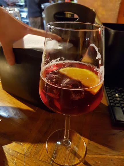 Italienischer Aperitivo: Campari Spritz