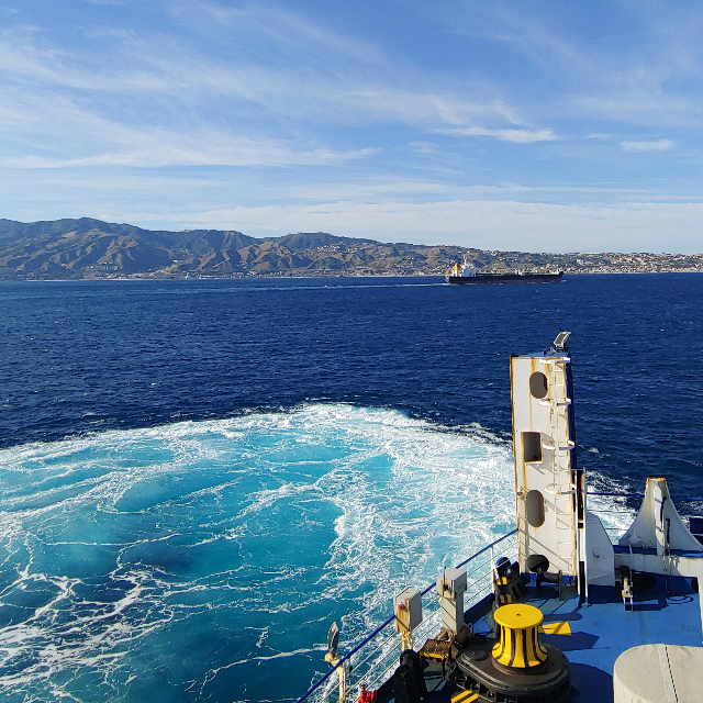 Blick vom Schiff aus Sizilien