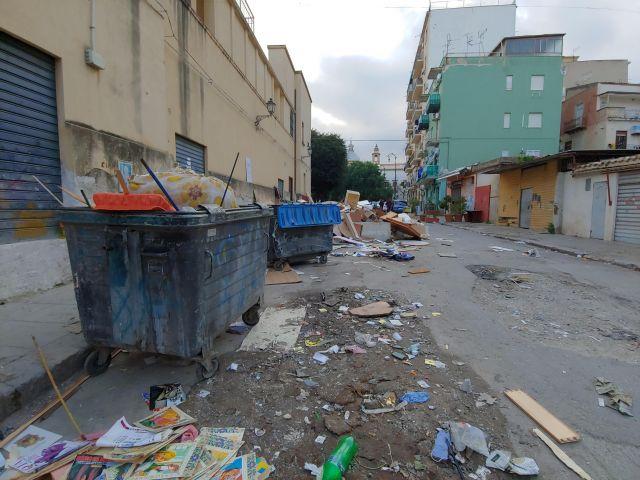 Müll in den Straßen von Palermo, nahe meiner ersten Wohnung.