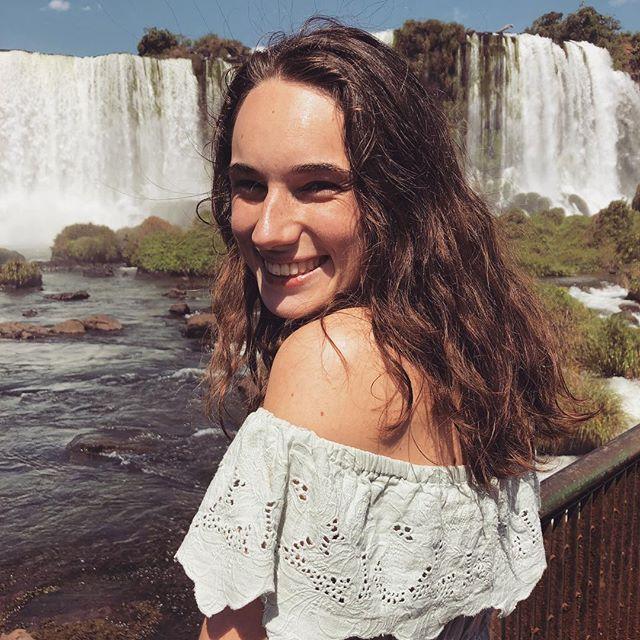 Studentin Jana an den Wasserfällen in Iguazú.