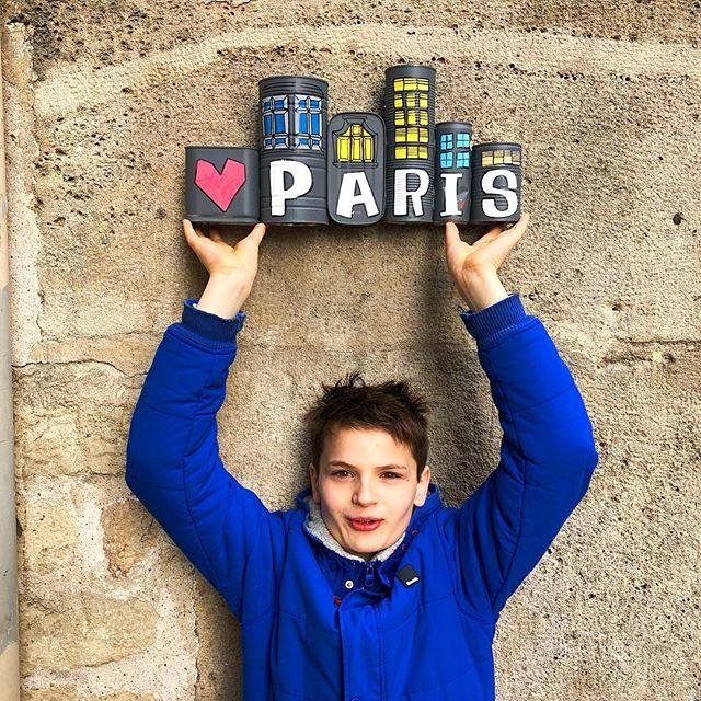 Simons Patenkind in Paris.