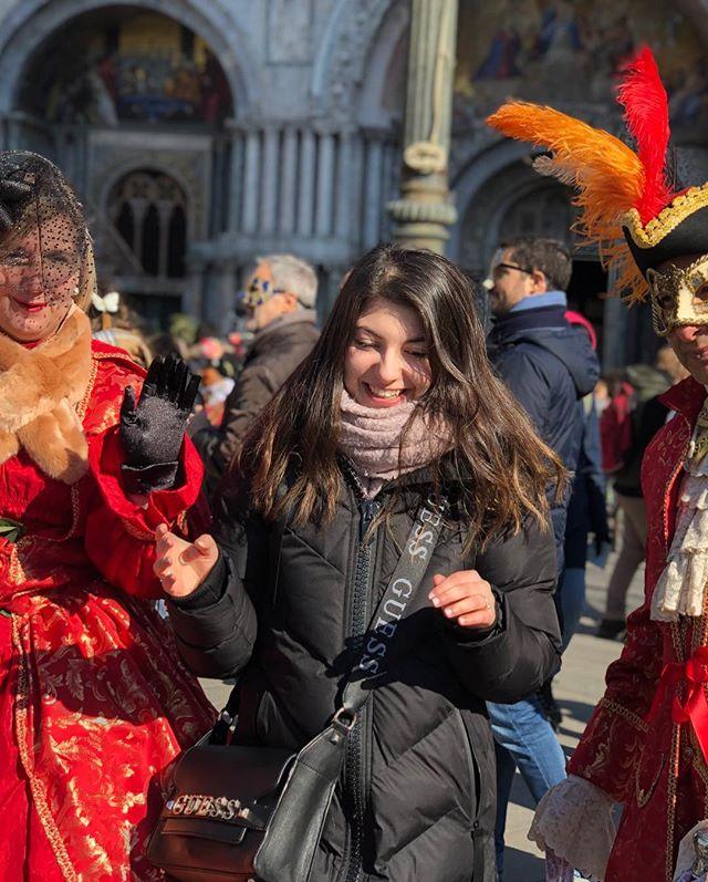 #Karneval in #Venedig: überfüllt, zu viele Menschen, zu viele wunderschöne…