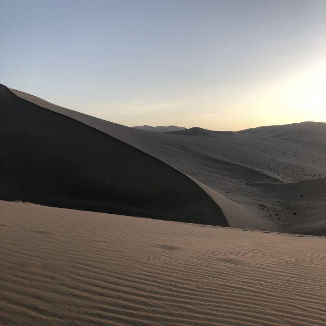 Sonnenuntergang in der Wüste Gobi