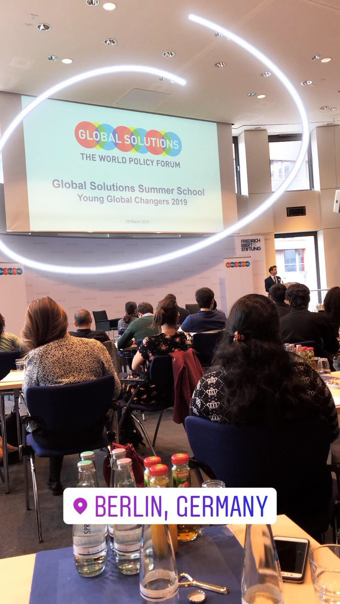 Konferenzraum bei der Young Global Changers Summer School.