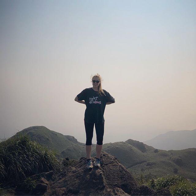 Second hike in the books👊🏻💥 #erlebees #hiking #foggy #mtqixingmainpeak…