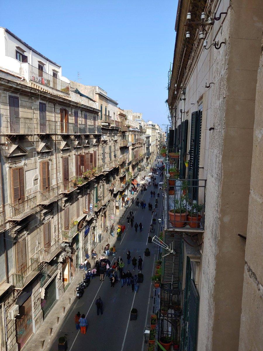 Jeden Sonntag sind Teile der Altstadt Palermos, u.a. die alte islamische…