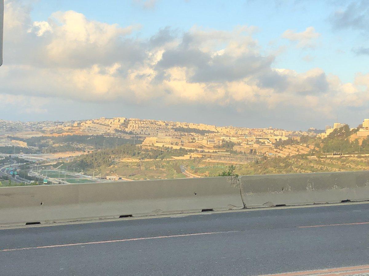 Ich biete 23 Grad und strahlenden Sonnenschein in #Jerusalem. Wer bietet mehr?…