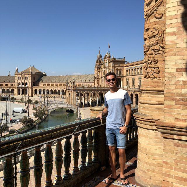 Student Daniel in Sevilla.