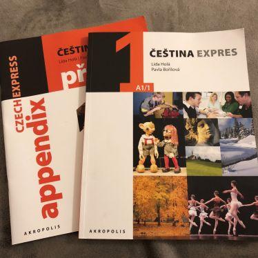 Kursbücher für den Sprachkurs Tschechisch.