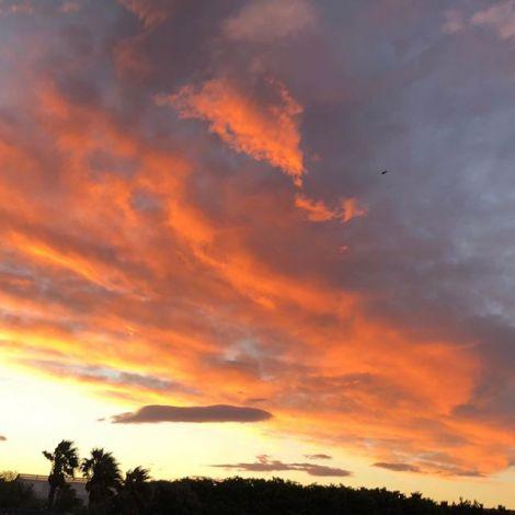Absolut kein Filter. Der Himmel ist so rot weil er die rote Erde reflektiert.…