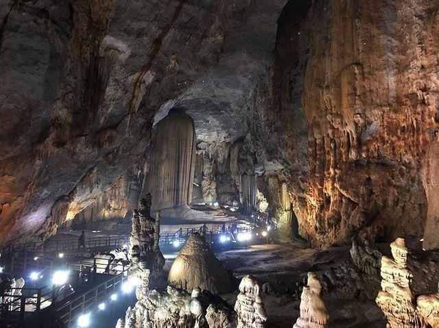 Die Paradise Cave im Phong Nha-Ke Bang Nationalpark ist 31 Kilometer lang und -…
