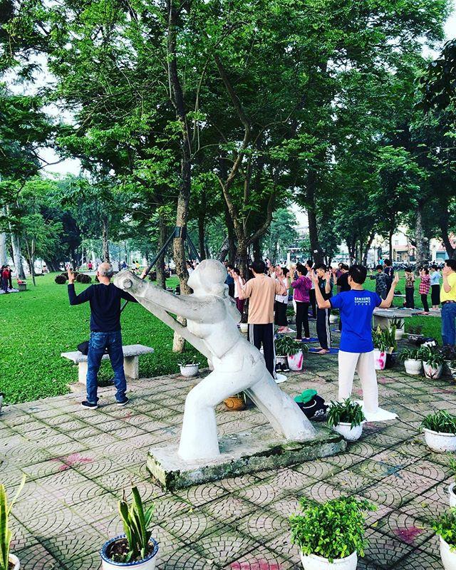 Gestern sind Oli und ich ein wenig durch den Công viên Thống Nhất…