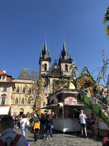 Vom 6. bis zum 28. April 2019 finden in Prag etliche Ostermärkte statt. Den…