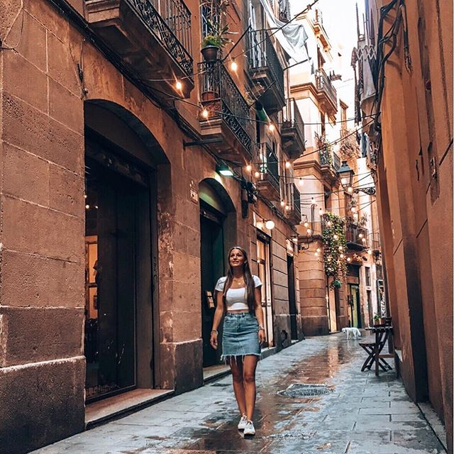 Auf unserem Weg zum @museupicasso sind wir auf diese süße Straße gestoßen…