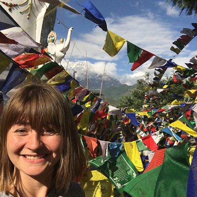 Namaste und Tashi Delek aus Indiens Norden 🐂 Ich bin Silvia und studiere an…