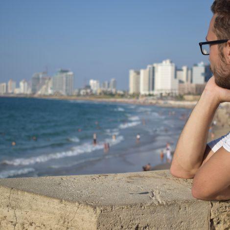 Am Meer in Jaffa mit Blick auf den Strand von Tel Aviv