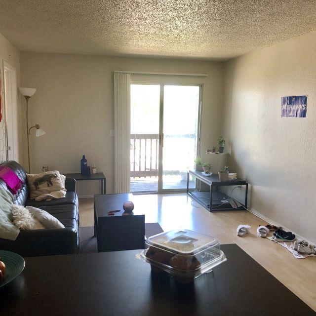 Wohnzimmer in einem Studentenwohnheim in den USA.