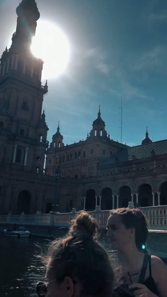 Sevilla war wunderschön! Auf dem Plaza de España war die spanische…
