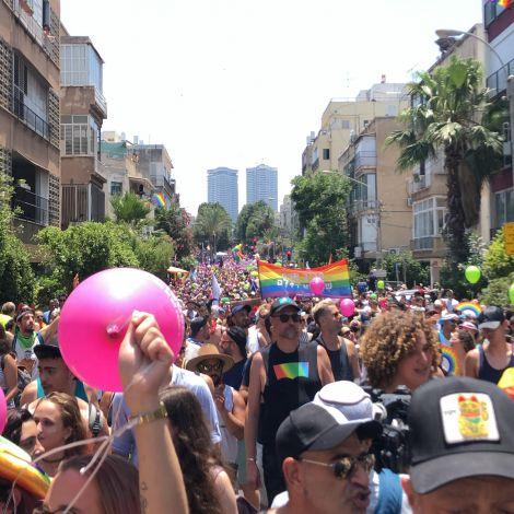 250.000 Leute haben an der Pride Parade in Tel Aviv teilgenommen, um ihre Stimme für die Gleichberechtigung der LGBT-Communiry zu erheben.