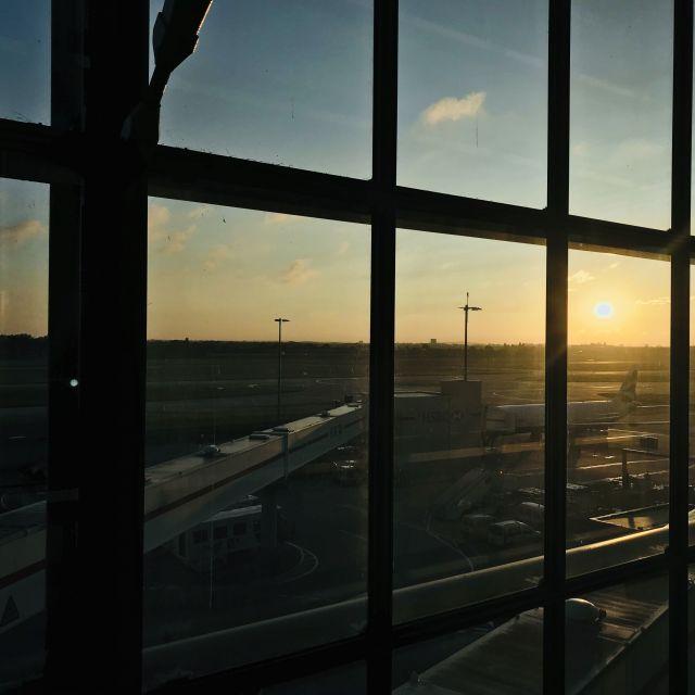 Mit dem Sonnenaufgang am Flughafen ist mein Aufenthalt in Großbritannien zu Ende gekommen.