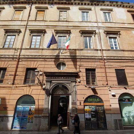 Der Eingang zu meiner Fakultät in der Altstadt Palermos